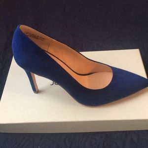 Blue suede feel pumps